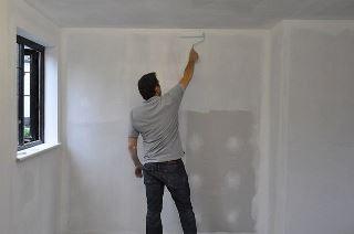Фото процесса Грунтовка стен в Самаре