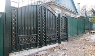 Фото процесса производства распашных ворот в Самаре