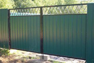 Фото процесса производства Распашные ворота для дачи в Самаре