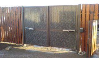 Распашные ворота с электроприводом в Самаре