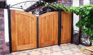 Фото процесса производства Деревянные распашные ворота в Самаре